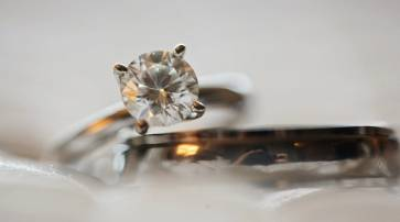 Choosing New Diamond Jewellery