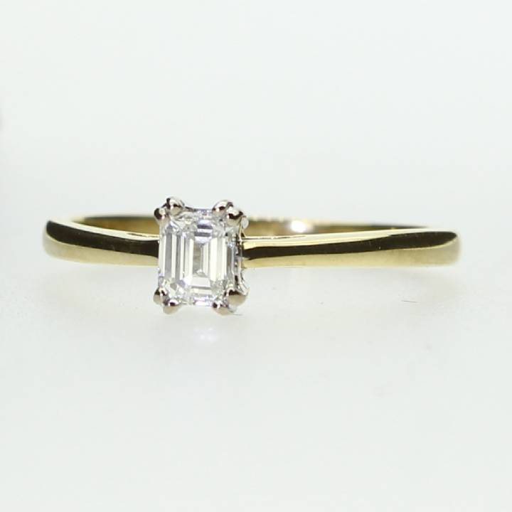Pre-Owned 18ct Yellow Gold  Diamond Solitaire Ring 0.27ct