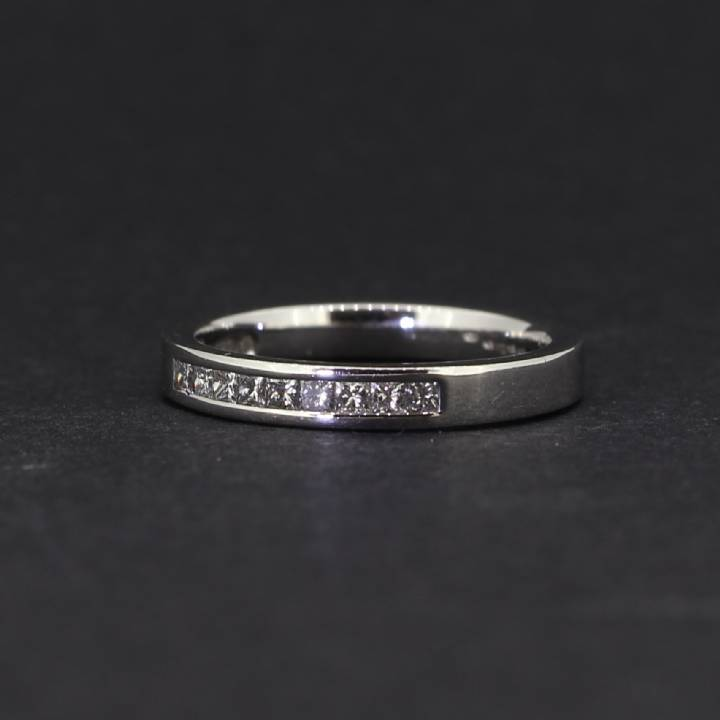 Pre-Owned 18ct White Gold Diamond Half Eternity Ring