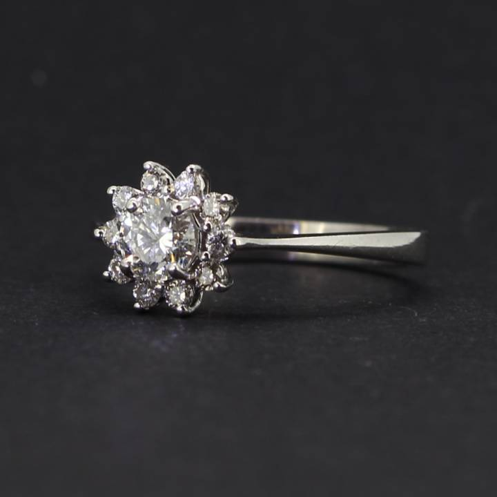 Pre-Owned 18ct White Gold  Diamond Cluster Ring 0.66ct