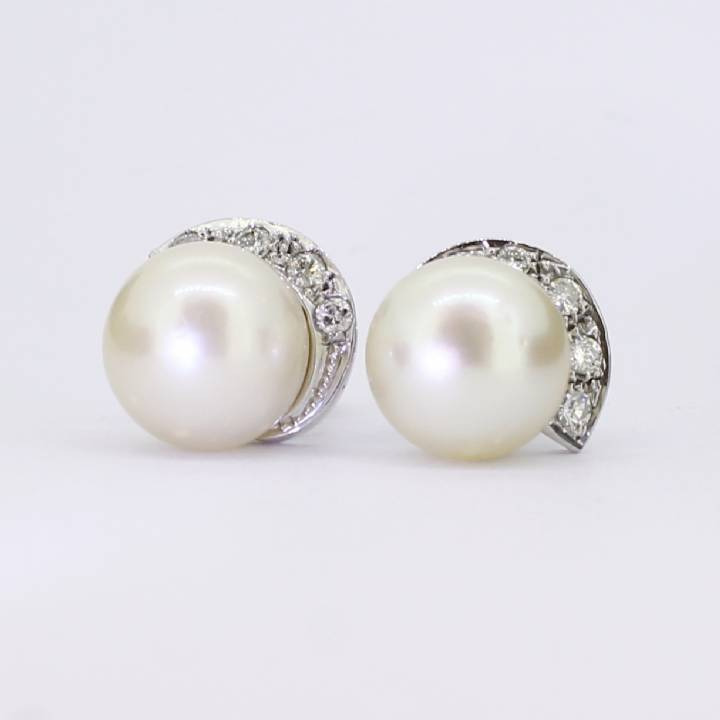 Pre-Owned 18ct White Gold Diamond And Pearl Stud Earrings 7113139