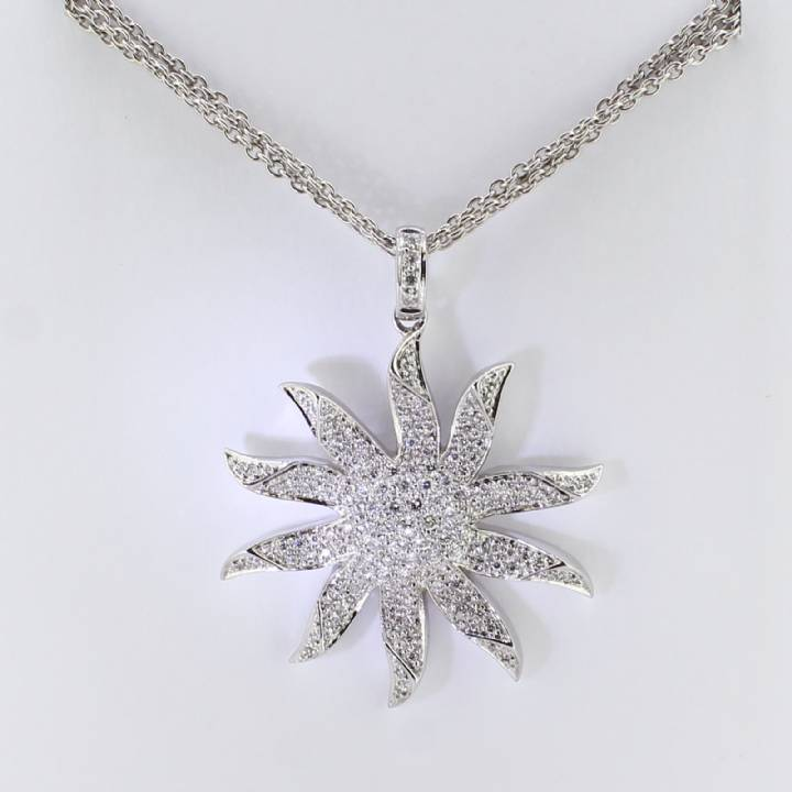 Pre-Owned 18ct White Gold Diamond Star Pendant And Chain 1607323