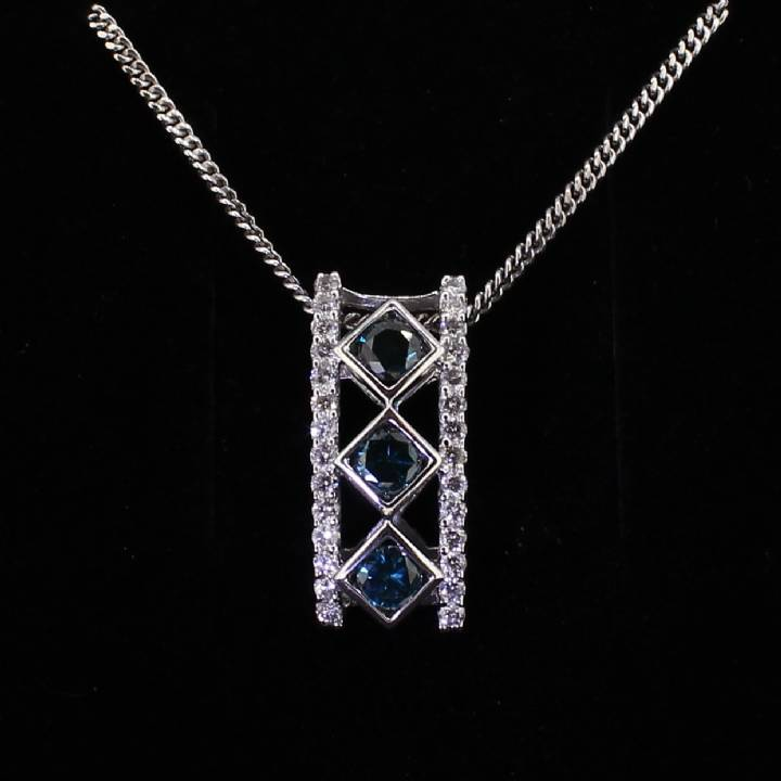 Pre-Owned 18ct White Gold  Diamond Pendant And Chain