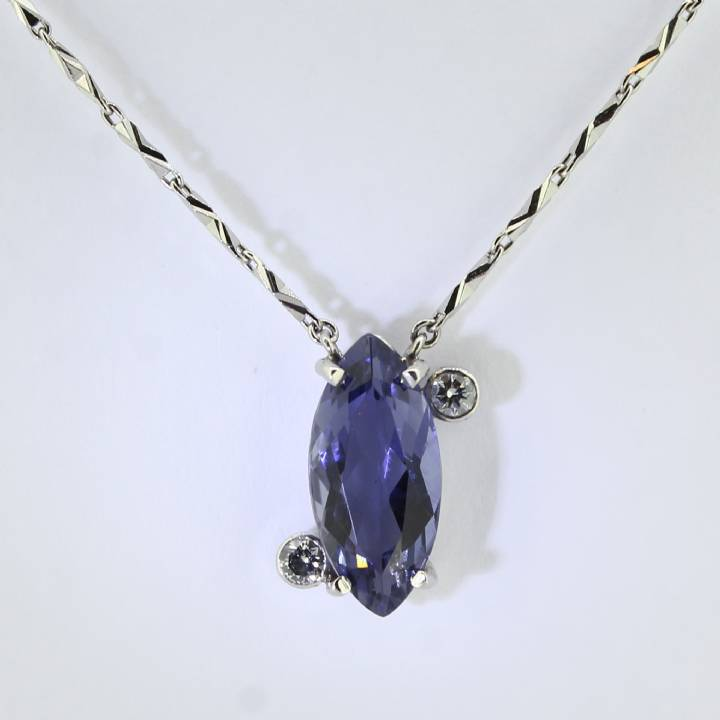 Pre-Owned Platinum Diamond And Iolite Necklet