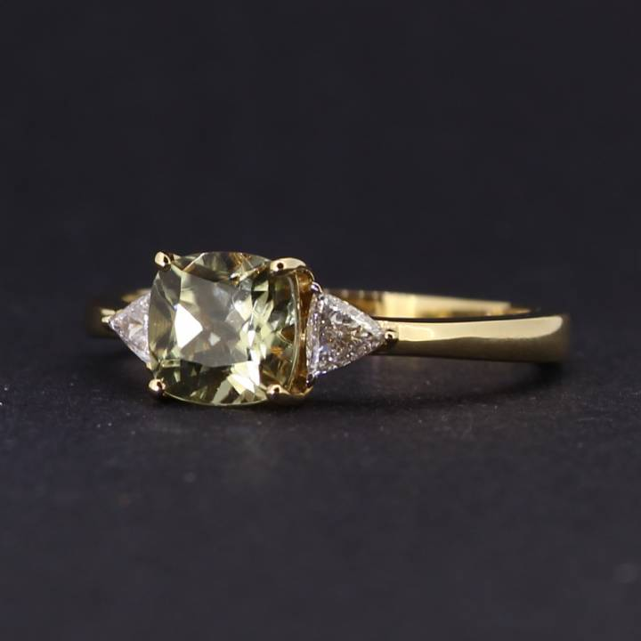 Pre-Owned 18ct Yellow Gold Diamond And Diaspore Ring 1609046