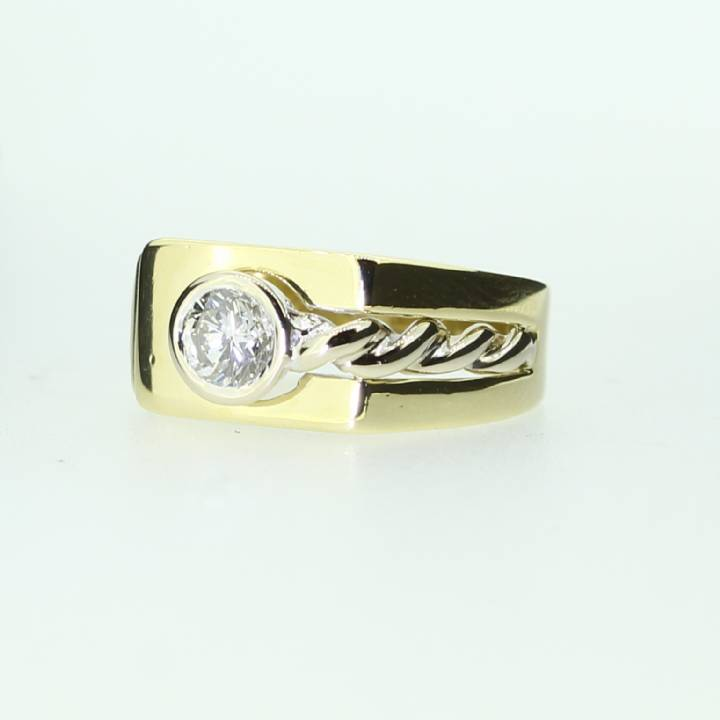 Pre-Owned 18ct Yellow Gold Gents Diamond Solitaire Signet Ring