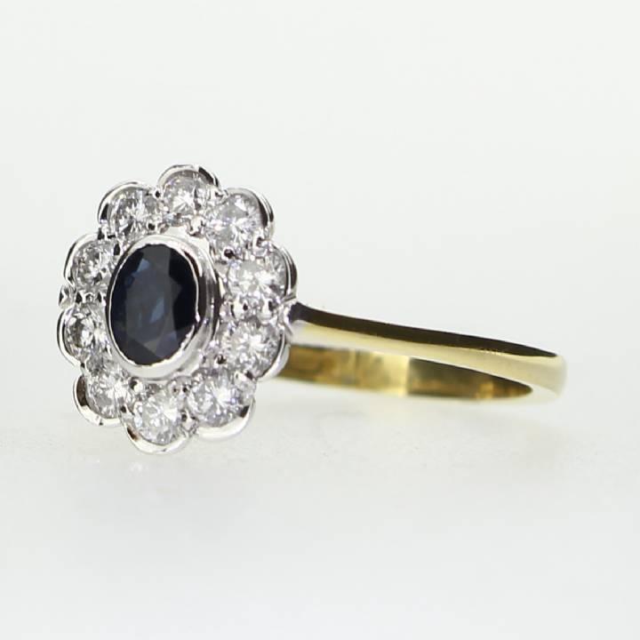 18ct Yellow Gold Diamond And Sapphire Cluster  Ring