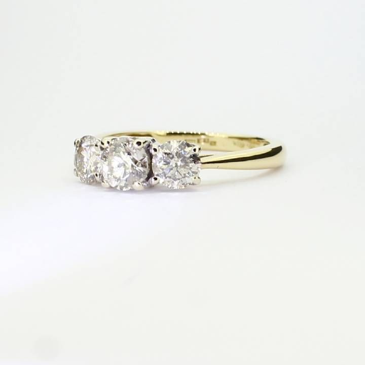 Pre-Owned 18ct Yellow Gold Diamond 3 Stone Ring 1.00ct Total 1604823