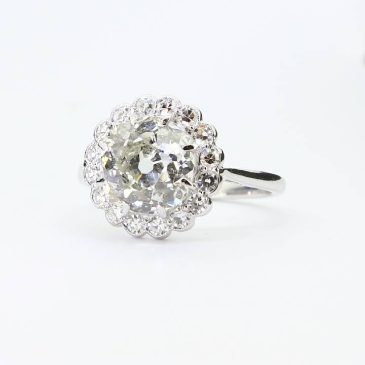 Pre-Owned Platinum Diamond Cluster Ring 3.78ct Total 1605481