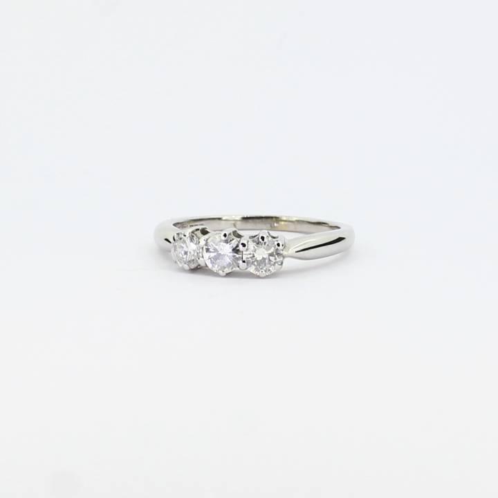 Pre-Owned 18ct White Gold  Diamond 3 Stone Ring 1604625