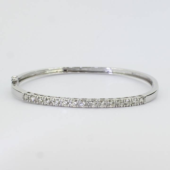 Pre-Owned 18ct White Gold Diamond Bangle 0.84ct Total