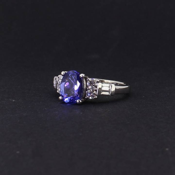 Pre-Owned Platinum Diamond And Tanzanite Ring 1606284
