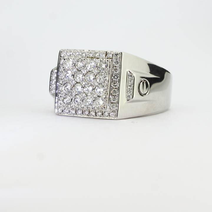 Pre-Owned 18ct White Gold Gents Diamond Signet Ring 1.43ct