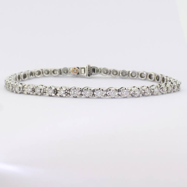 Pre-Owned 9ct White Gold Diamond Line Bracelet 2.00ct Total