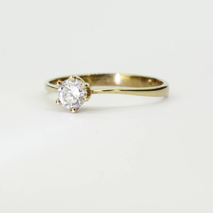 Pre-Owned 9ct Yellow Gold Diamond Solitaire Ring 0.31ct