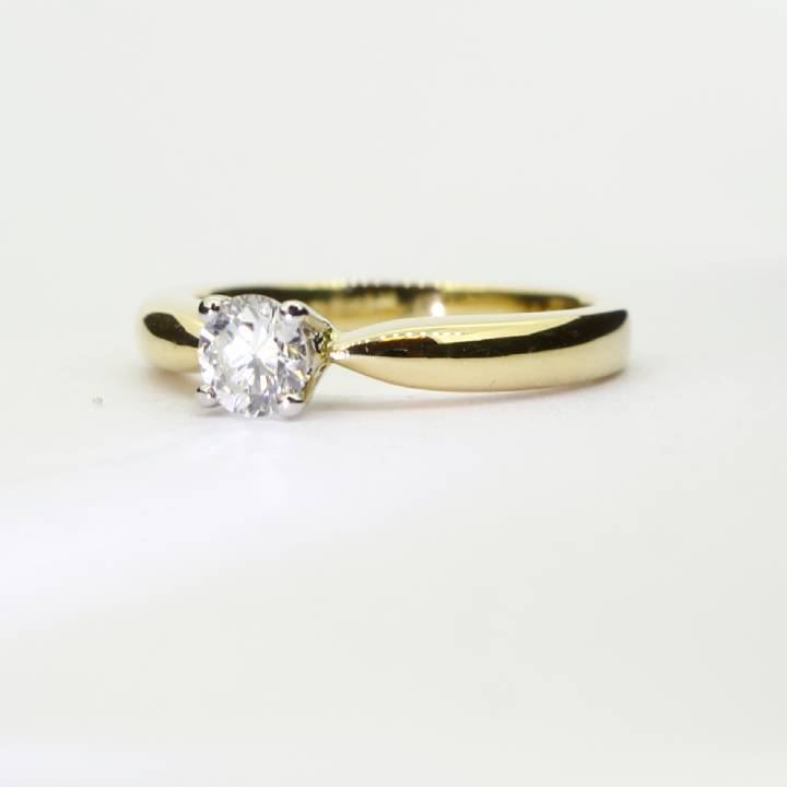 Pre-Owned 18ct Yellow Gold Diamond Solitaire Ring 0.33ct 1601729