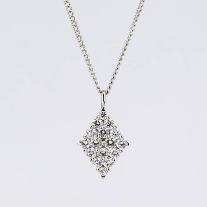 Pre-Owned 18ct White Gold Diamond Cluster Pendant & Chain 0.68ct 1607417