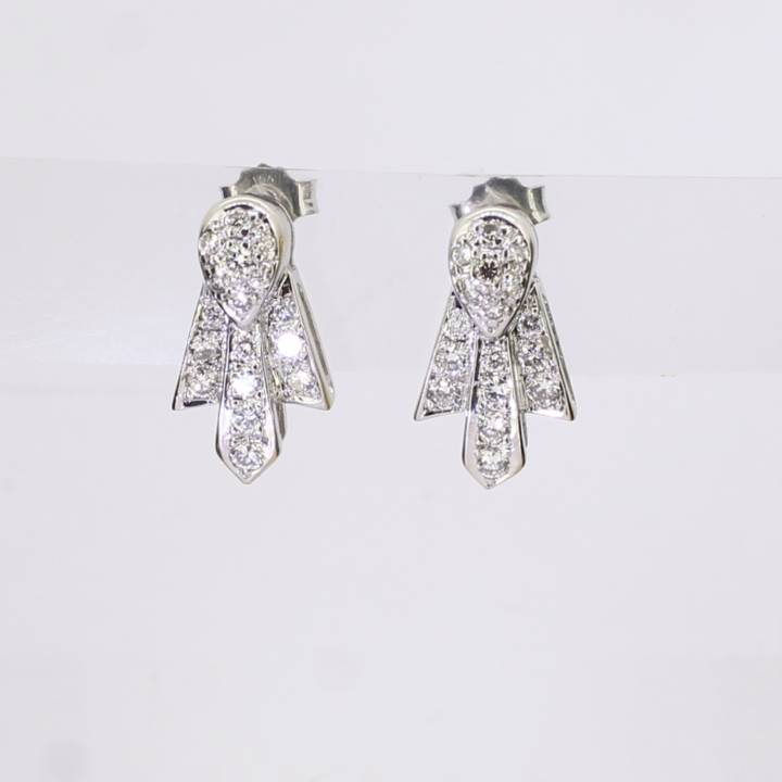 Pre-Owned 18ct White Gold Diamond Cluster Earrings 0.68ct Total 7113179