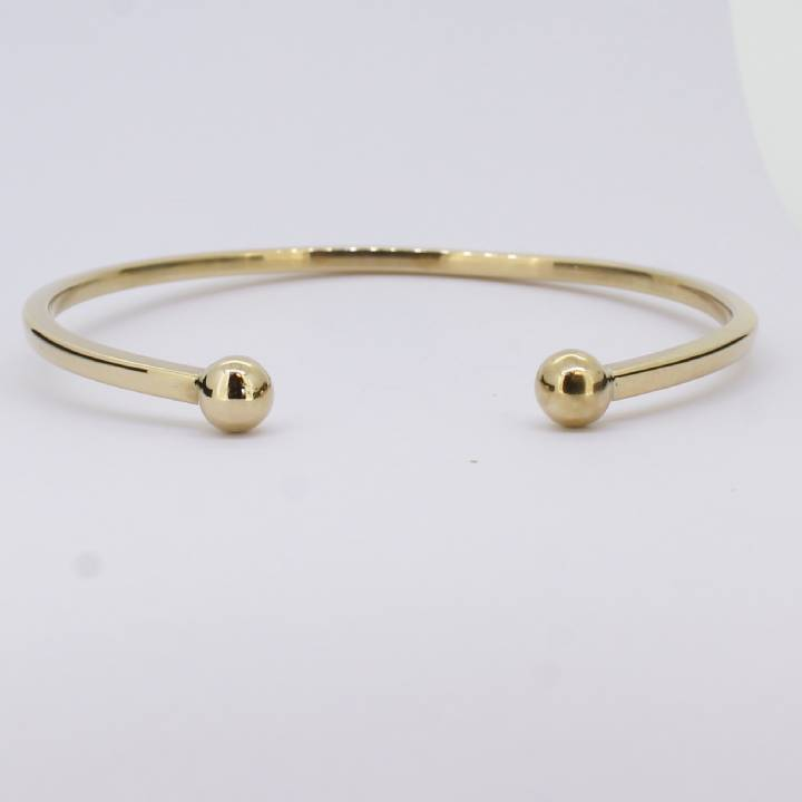 Pre-Owned 9ct Yellow Gold Torque Bangle