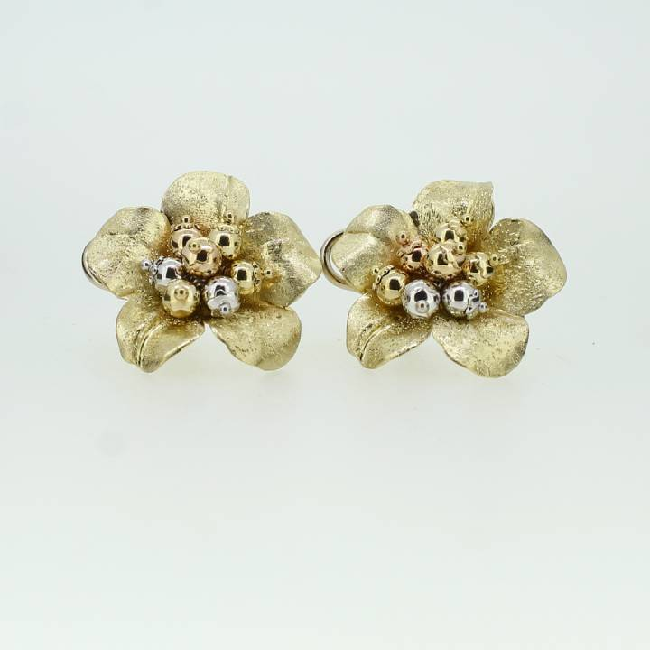 Pre-Owned Large 18ct Gold  Floral Design Earrings 1515909