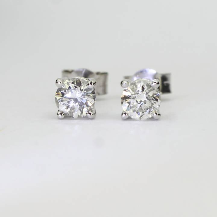 Pre-Owned 18ct White Gold Diamond Solitaire Stud Earrings0.66ct 1607451