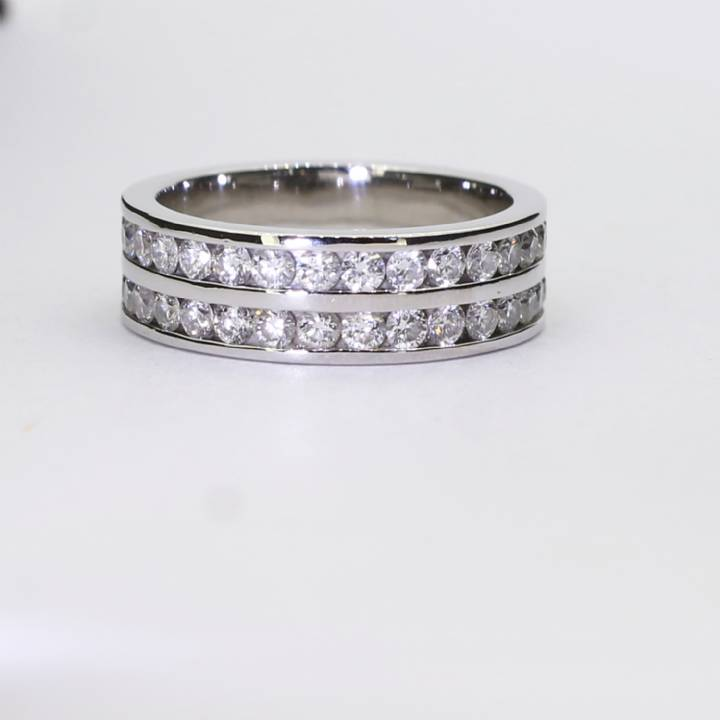 Pre-Owned 18ct White Gold Diamond Full Eternity Ring 1.50ct 1608329