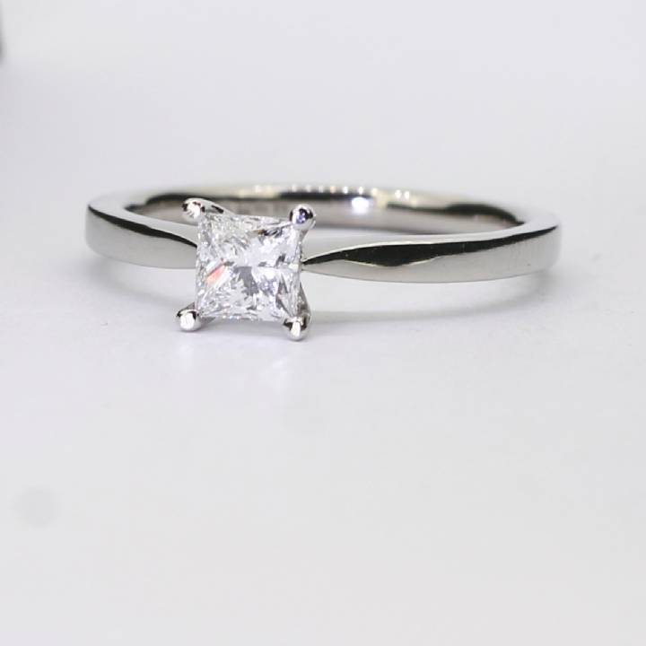 Pre-Owned Platinum Diamond Solitaire Ring 0.40ct 7101289