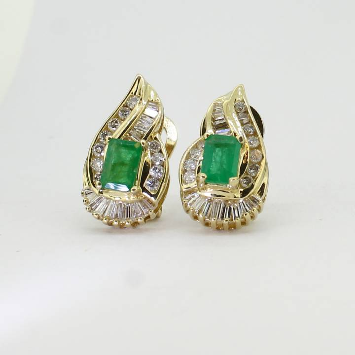 Pre-Owned 14ct Yellow Gold Diamond & Emerald Cluster Earrings 1607464