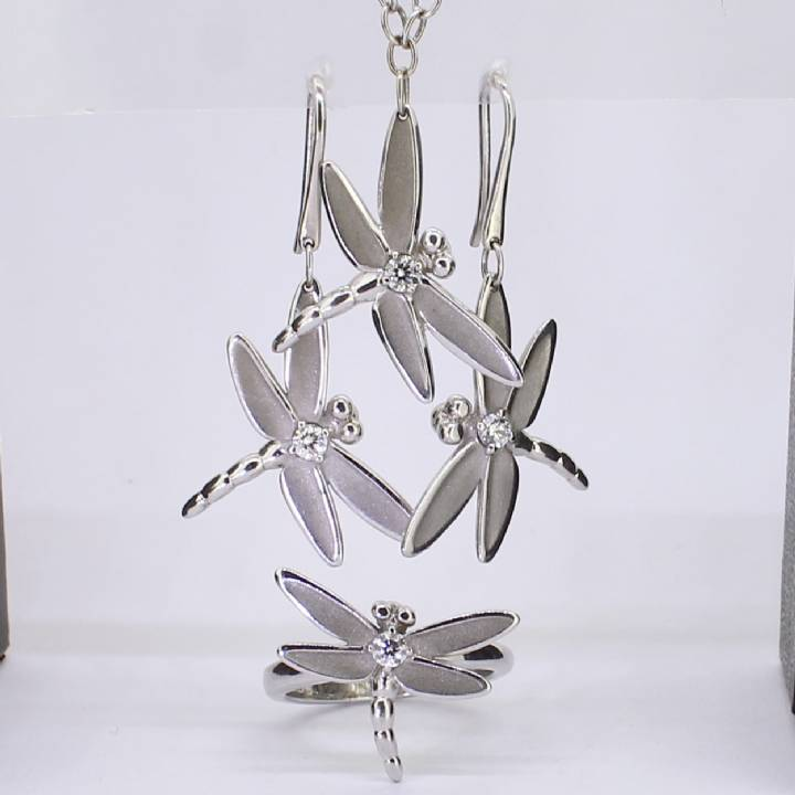 Pre-Owned 18ct White Gold 3 Piece Dragonfly Set