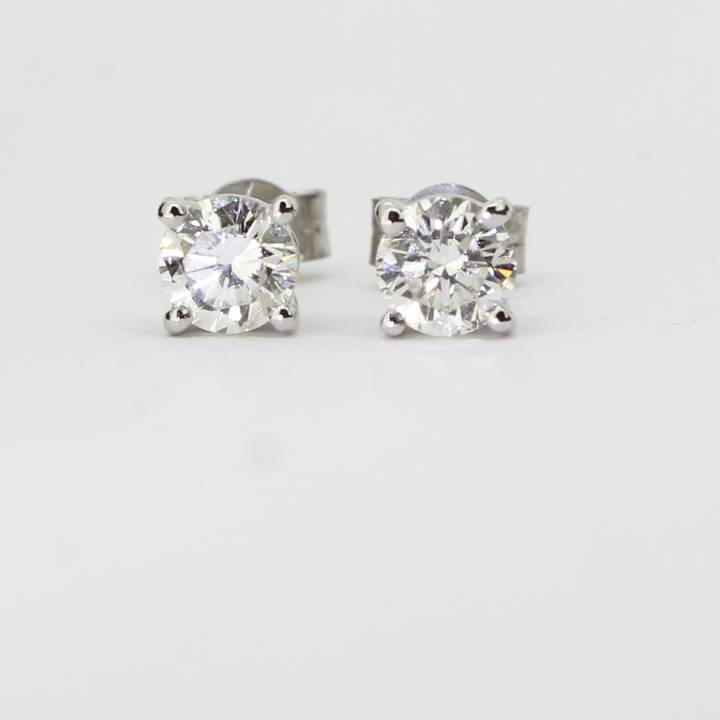 Pre-Owned 18ct White Gold Diamond Stud Earrings 0.85ct Total. 1607480