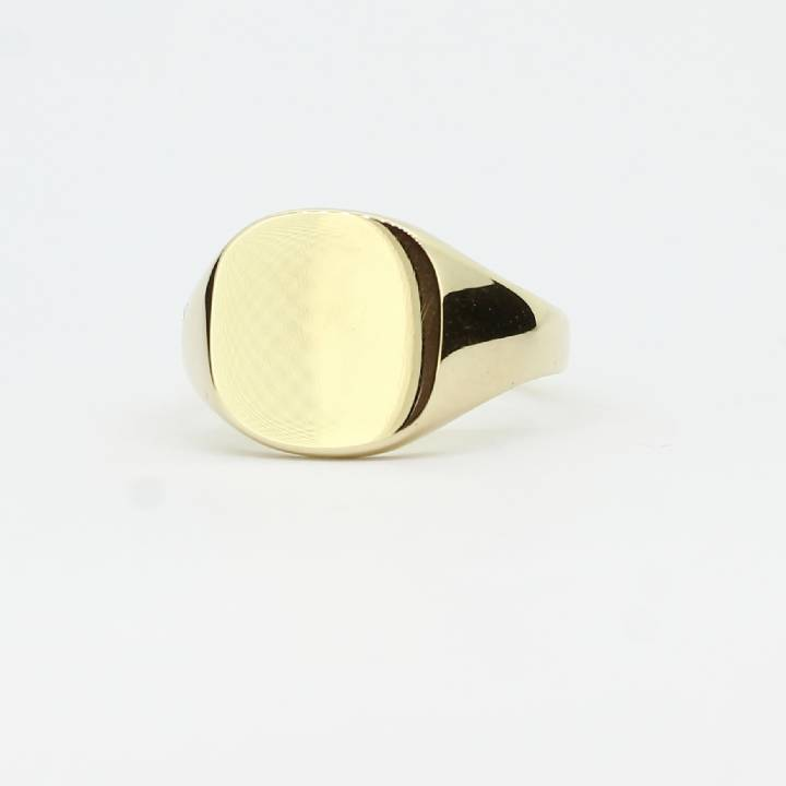 Pre-Owned 9ct Yellow Gold Cushion Signet Ring 1508466