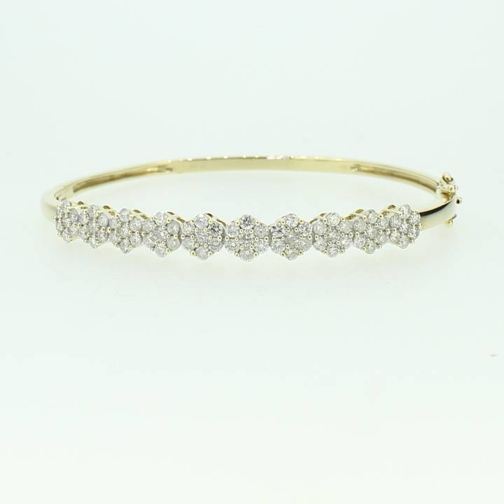 Pre-Owned 9ct Yellow Gold Diamond Bangle 2.20ct Total