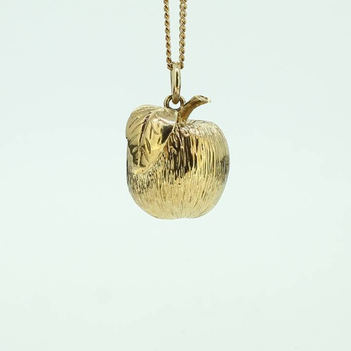Pre-Owned 9ct Yellow Gold Apple Pendant 1510321