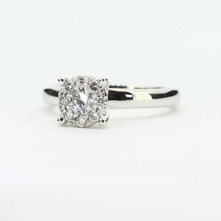 18ct White Gold Diamond Cluster Ring 0.30ct