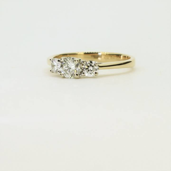 Pre-Owned 18ct Yellow Gold Diamond 3 Stone Ring Total 0.41ct 1604933