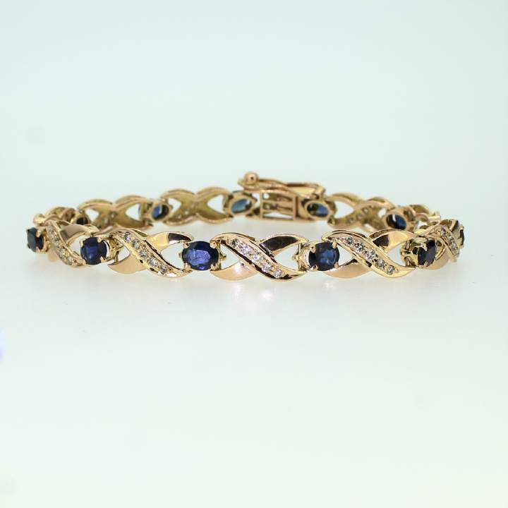 Pre-Owned 18ct Yellow Gold Diamond & Sapphire Bracelet