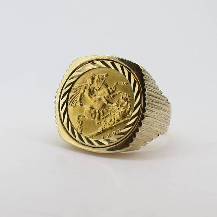 Pre-Owned 9ct Yellow Gold 1897 Half Sovereign Ring 1509674