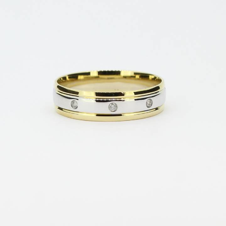 Pre-Owned Gents 18ct Yellow & White Gold Diamond Band