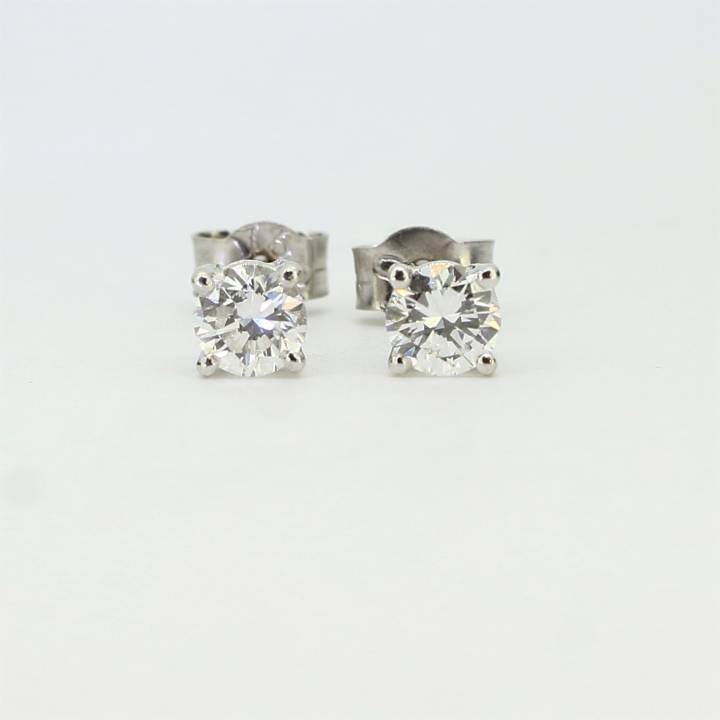 Pre-Owned 18ct White Gold Diamond Stud Earrings 0.55ct 1607570