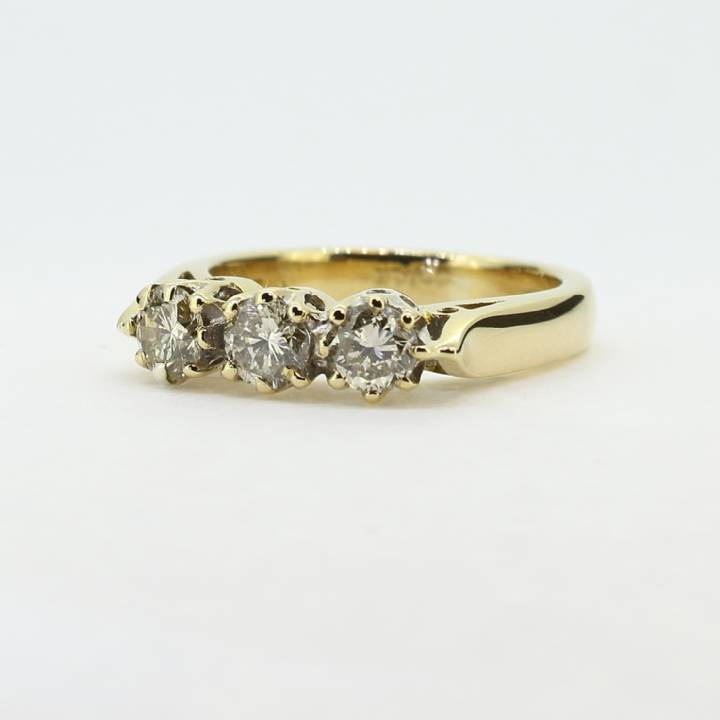 Pre-Owned 18ct Yellow Gold Diamond 3 Stone Ring 1.00ct Total 1604963