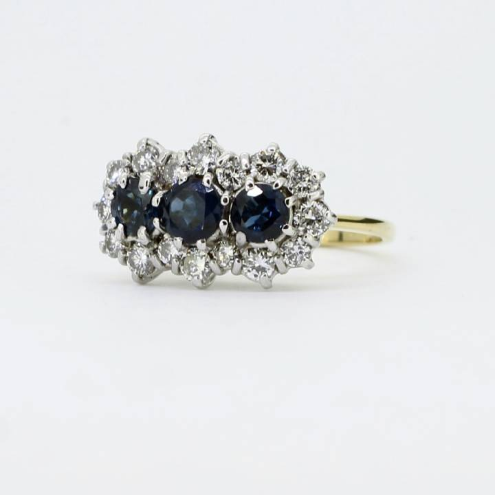 Pre-Owned 18ct Yellow Gold Diamond & Sapphire Ring Total 0.75ct