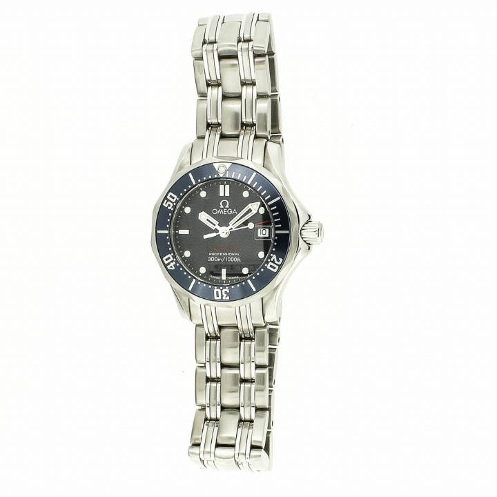 Pre-Owned Omega Ladies Seamaster Watch, Original Papers