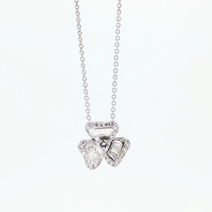Pre-Owned 18ct White Gold Diamond Pendant & Chain Total 0.50ct 7113253